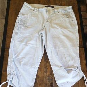 Gloria Vanderbilt  Khaki Cropped Pants